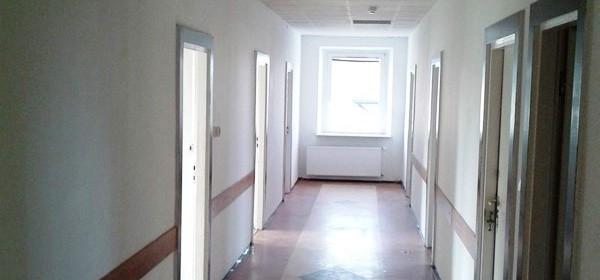 Lokal biurowy do wynajęcia 143 m² Włoszczowski (pow.) Włoszczowa (gm.) Włoszczowa Henryka Sienkiewicza - zdjęcie 1