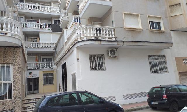 Mieszkanie na sprzedaż <span>Hiszpania, Walencja, Alicante, Torrevieja, Calle Arquitecto Larramendi</span>