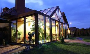 Ogród zimowy – cena, budowa, gatunki roślin