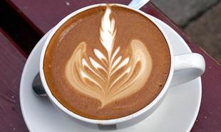 Najlepsza kawa w Łodzi – 6 kawiarni, które przyciągają smakiem i aromatem